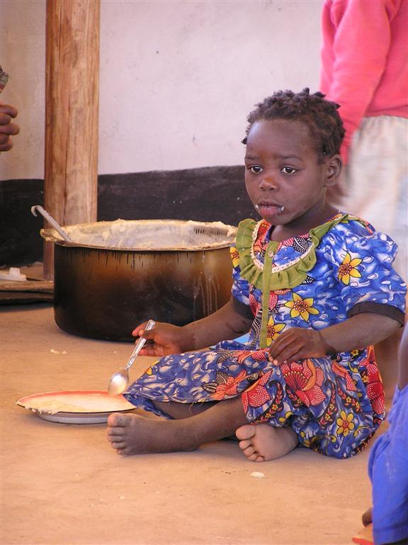 Maispap voor de kleuterschool in Luviri