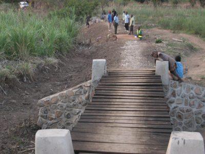 Construction of Vuvu Bridge 2015 (27) (Large)